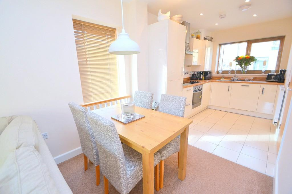 2 Bedrooms Link Detached House for sale in Bunting Street, Newhall, CM17 9GN