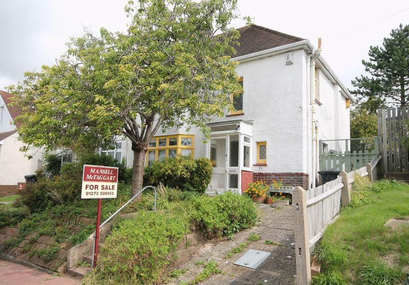 3 Bedrooms Semi Detached House for sale in Overhill Way, Patcham, Brighton,
