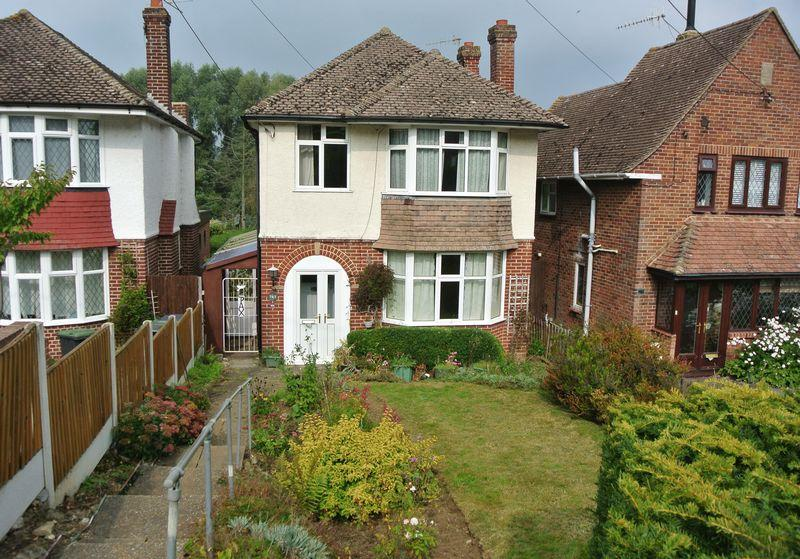 3 Bedrooms Detached House for sale in Ashford Road, Canterbury