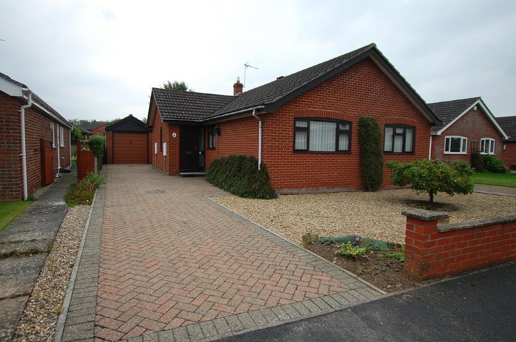 3 Bedrooms Detached Bungalow for sale in Mill Road, North Walsham