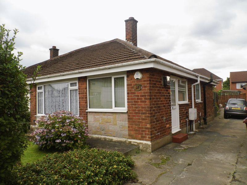 2 Bedrooms Semi Detached Bungalow for sale in Woodwards Road, Bolton