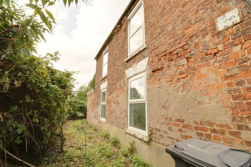 3 Bedrooms Cottage House for sale in Silverside Lane, Scawby Brook