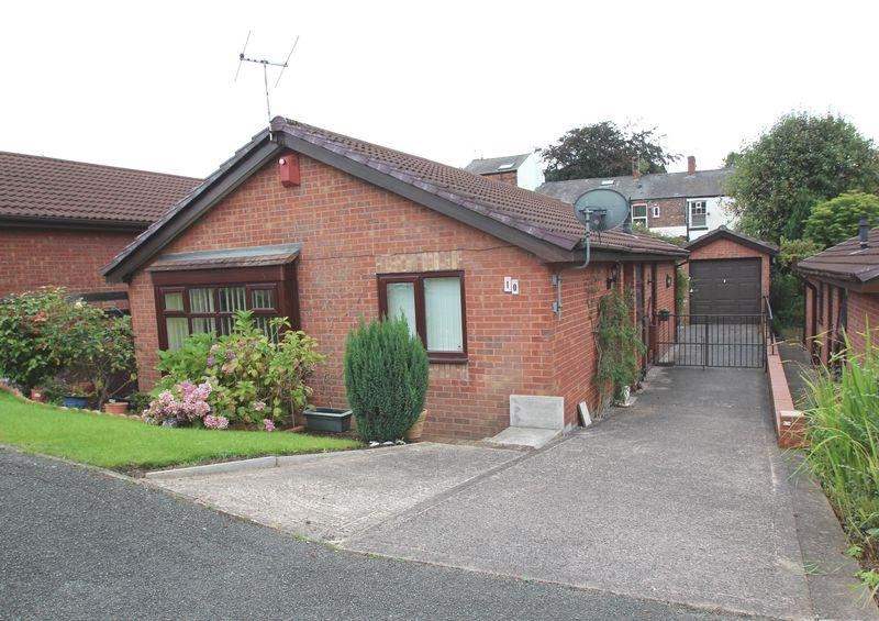 3 Bedrooms Detached Bungalow for sale in Hill Rise, Romiley