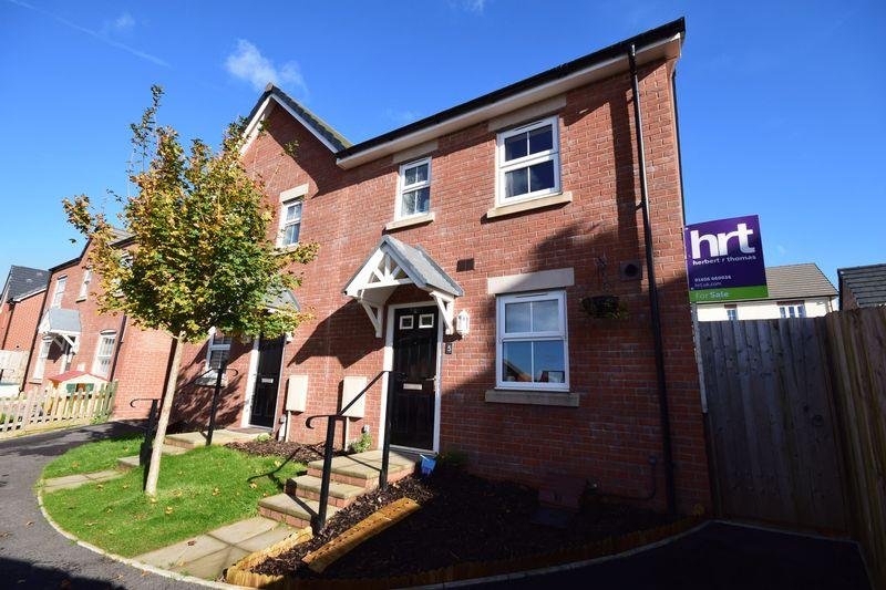 3 Bedrooms Semi Detached House for sale in Gerddi'r Briallu, Parc Derwen, Bridgend, CF35 6FR