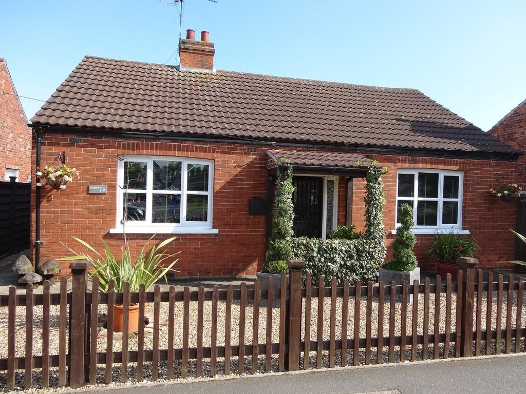 3 Bedrooms Detached Bungalow for sale in Lammas Leas Road, Market Rasen
