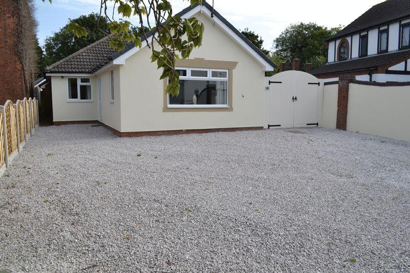 4 Bedrooms Detached Bungalow for sale in West End Road, Epworth