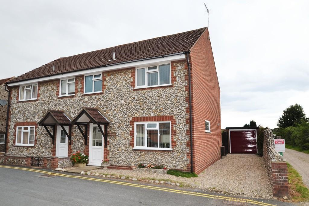 3 Bedrooms Semi Detached House for sale in Holt