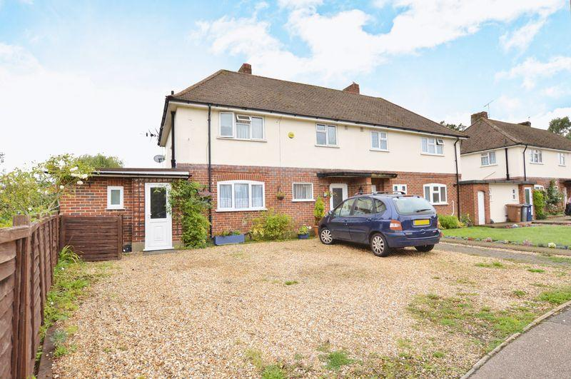 3 Bedrooms Semi Detached House for sale in Silo Drive, Farncombe