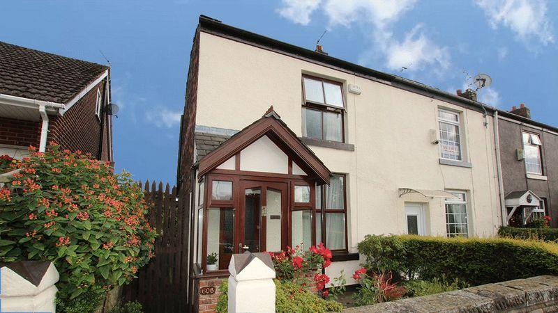 2 Bedrooms House for sale in Heywood Old Road, Bowlee, Heywood OL10 2WQN