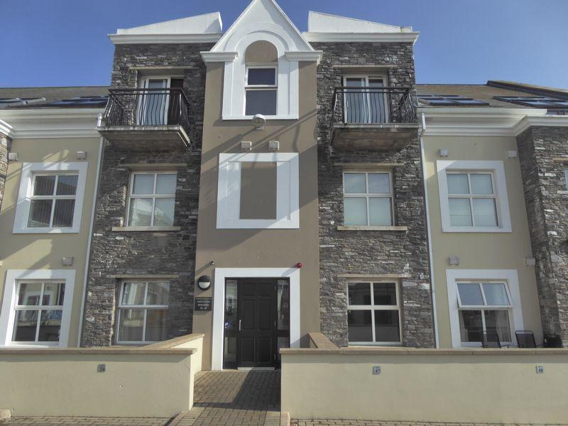 2 Bedrooms Apartment Flat for sale in 46 Castle Court, Farrants Way, Castletown