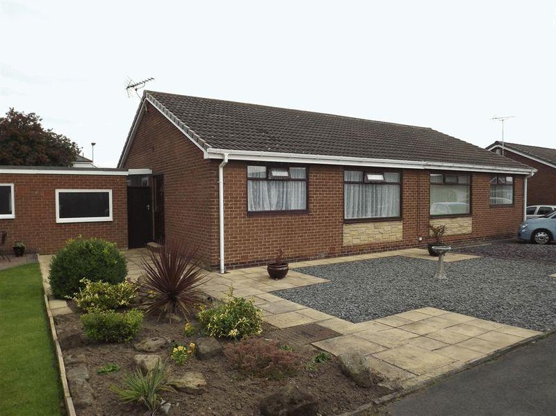 2 Bedrooms Semi Detached Bungalow for sale in Chester Grove, Seghill