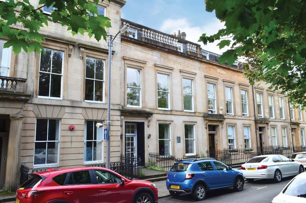 2 Bedrooms Flat for sale in Woodside Place, Flat 4, Park District, Glasgow, G3 7QL