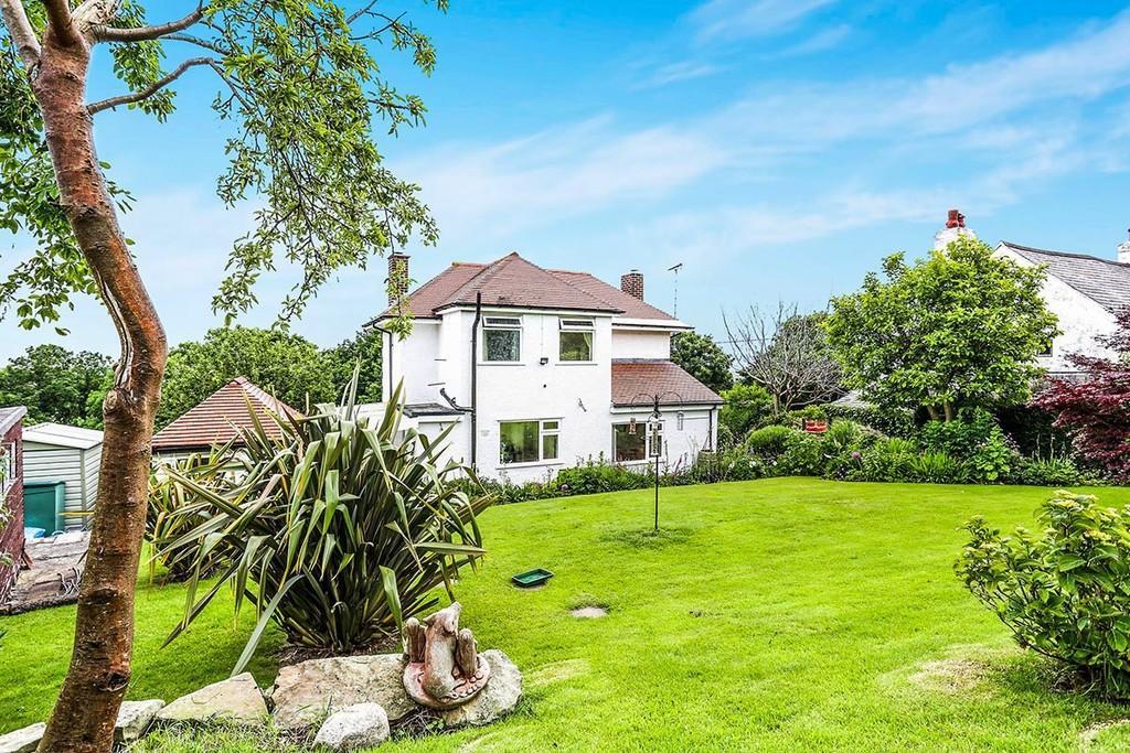 2 Bedrooms Detached House for sale in Berllan Lane, Gwespyr