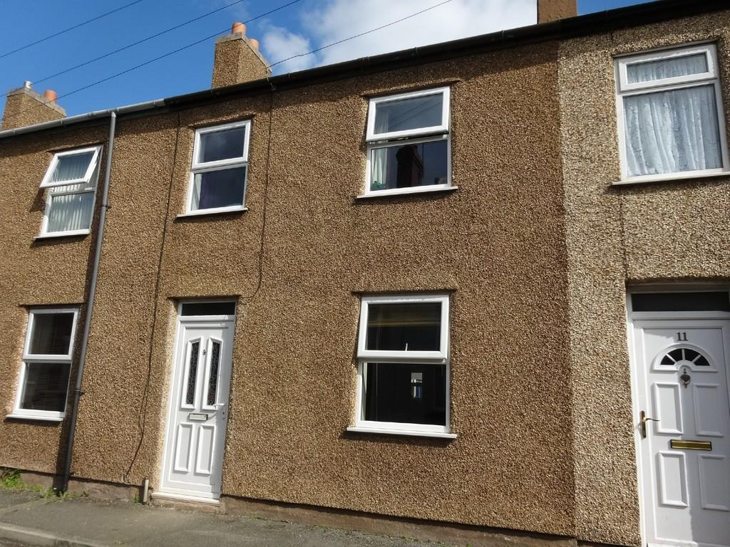 3 Bedrooms Terraced House for sale in Greenfield Street, Rhyl