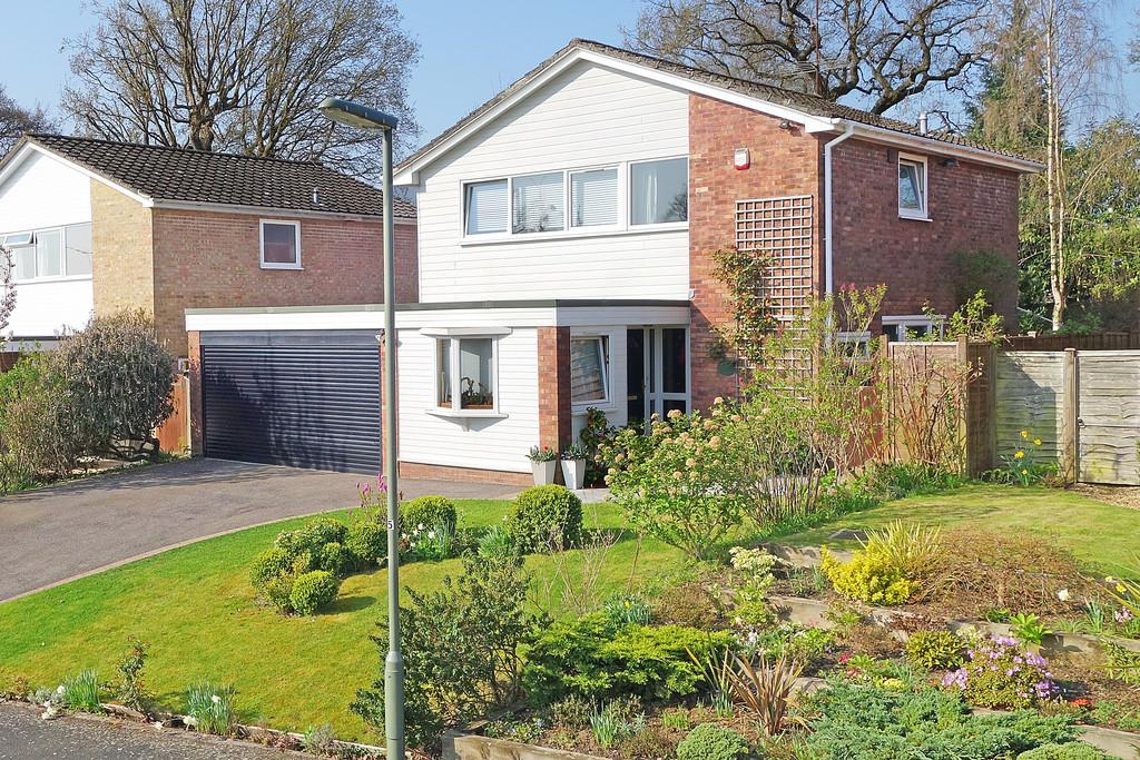 4 Bedrooms Detached House for sale in Yewens, Chiddingfold