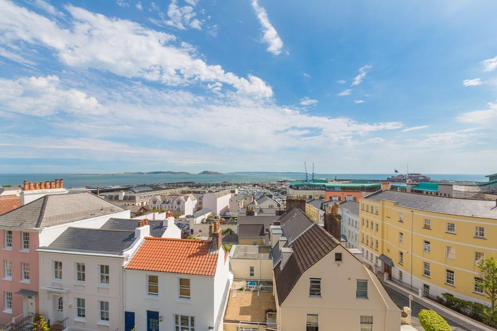 4 Bedrooms Penthouse Flat for sale in Bruce Lane, St. Peter Port, Guernsey