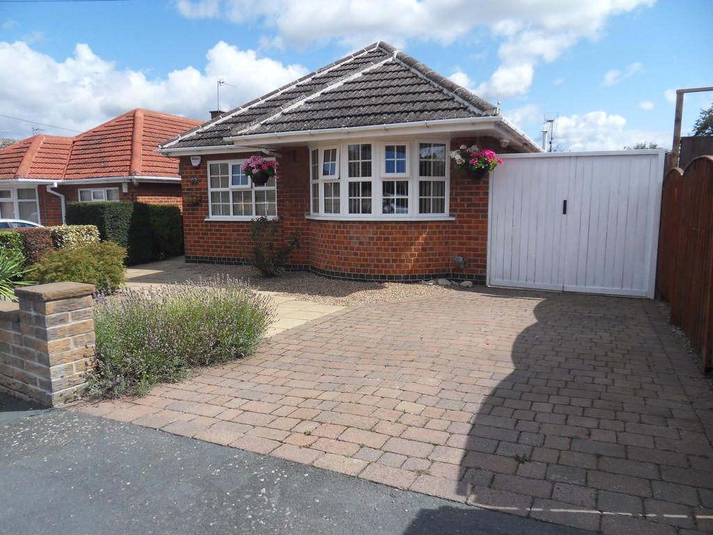 3 Bedrooms Detached Bungalow for sale in Oldershaw Road, East Leake