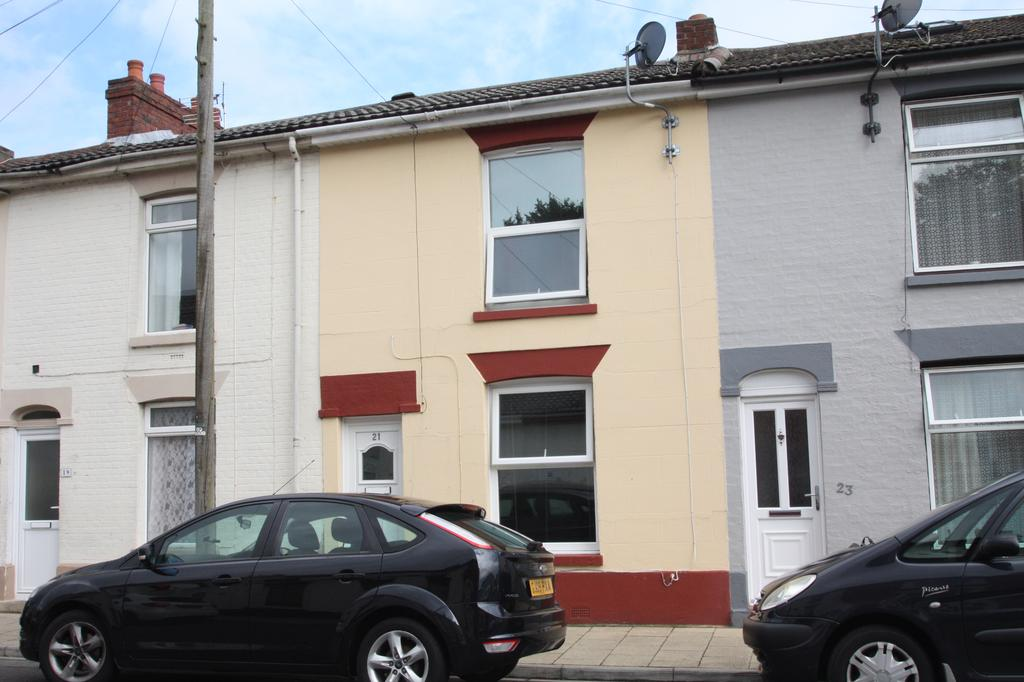 3 Bedrooms Terraced House for sale in Albert Street, Gosport PO12