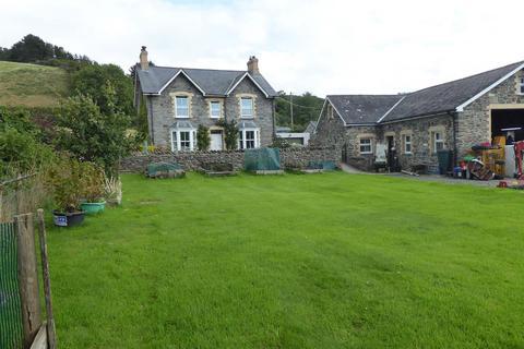4 bedroom property with land for sale - Llanrhystud