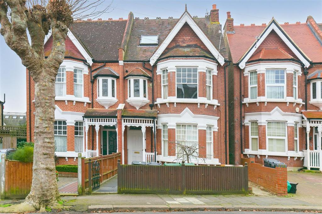 Studio Flat for sale in Braxted Park, Streatham, SW16