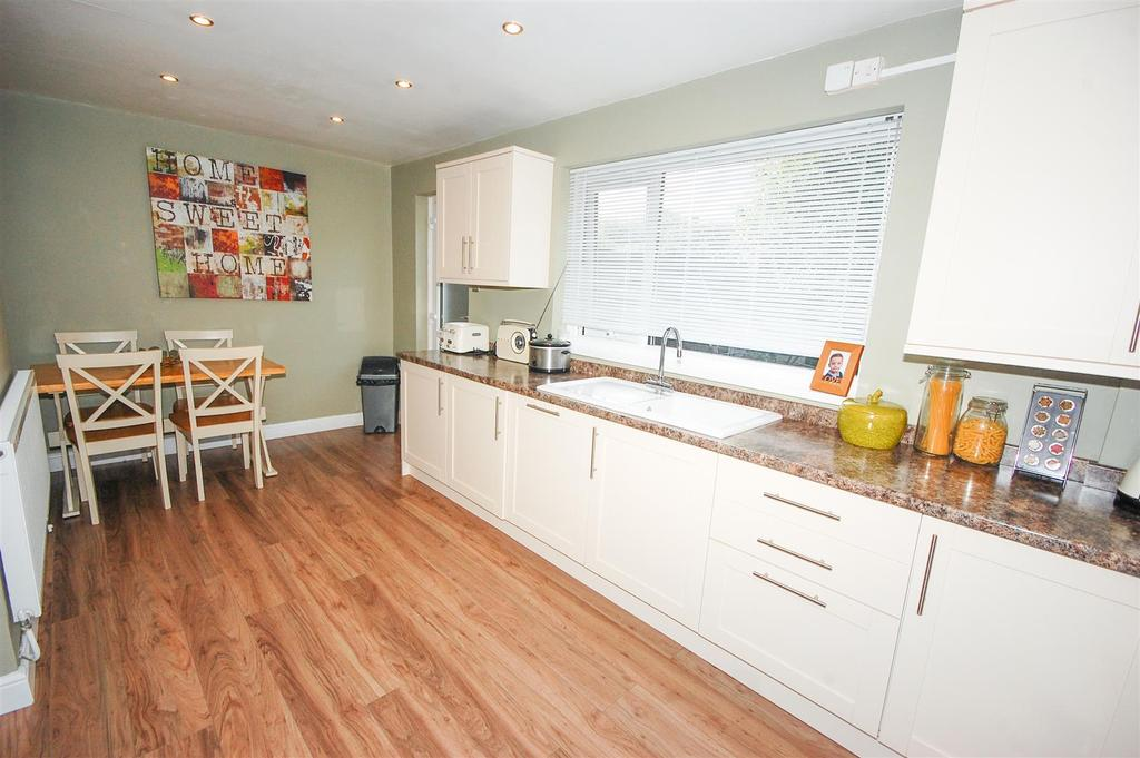 3 Bedrooms Semi Detached House for sale in Gillingham Road, Grindon, Sunderland