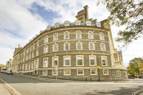 3 bedroom apartment to rent - The General