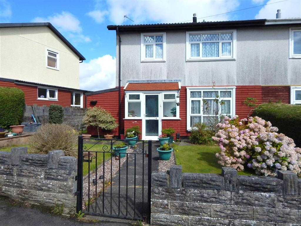3 Bedrooms Semi Detached House for sale in Cedar Crescent, West Cross