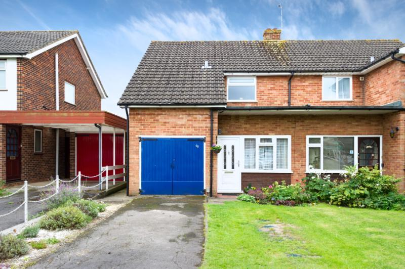 3 Bedrooms Semi Detached House for sale in Parsons Mead, Abingdon