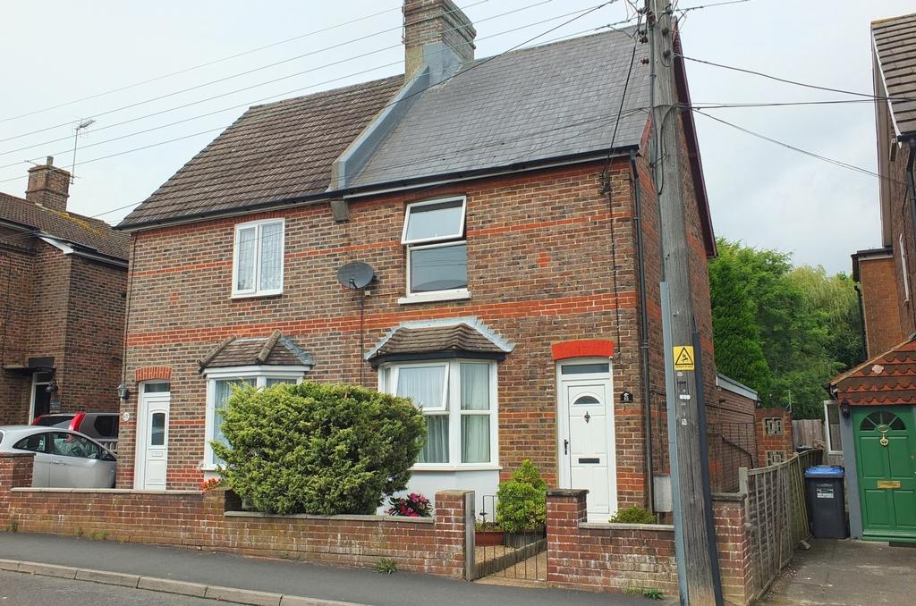3 Bedrooms House for sale in New England Road, Haywards Heath, RH16
