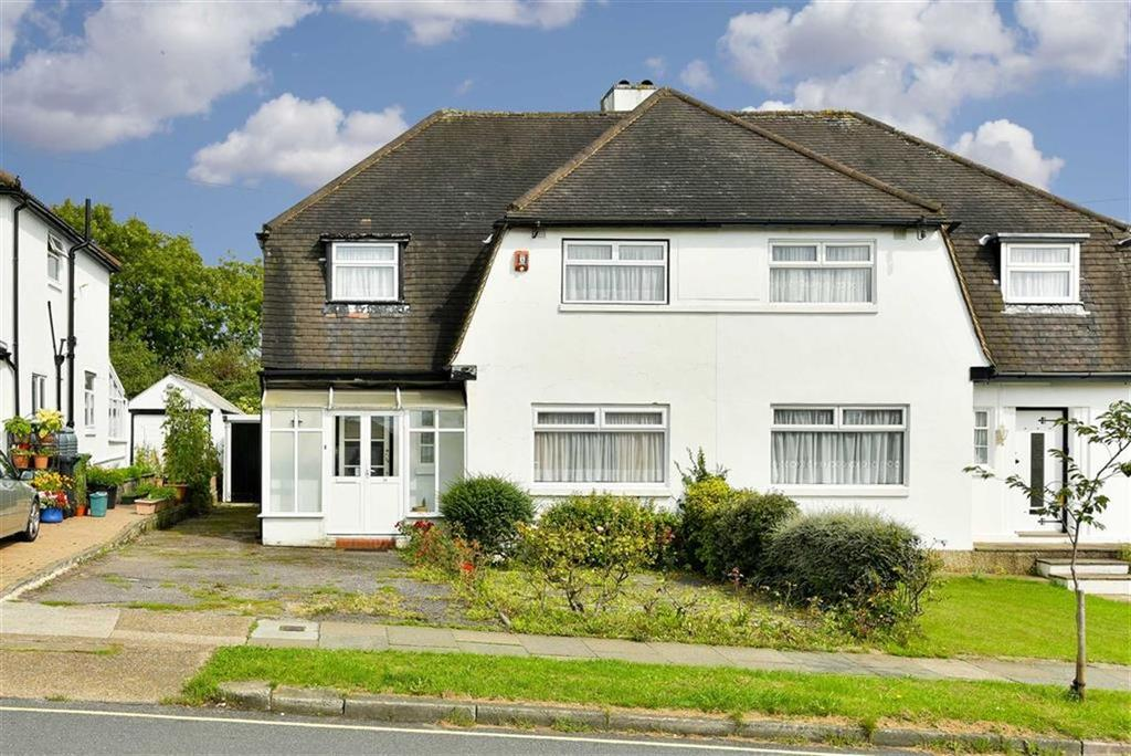 3 Bedrooms Semi Detached House for sale in Newbury Gardens, Stoneleigh, Surrey