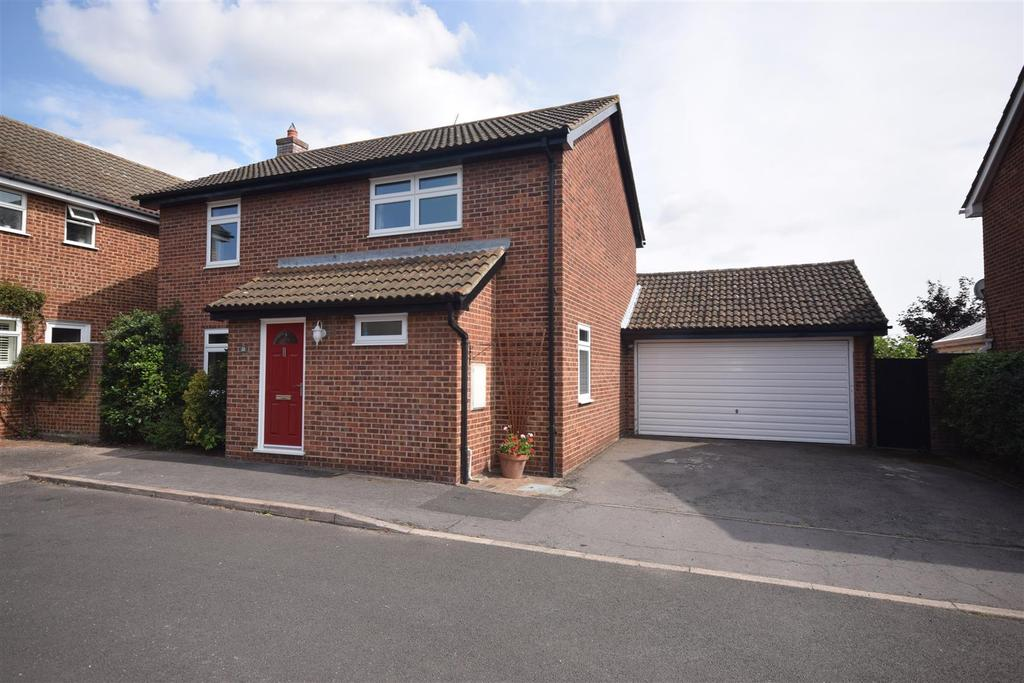 4 Bedrooms Detached House for sale in Seagers, Great Totham