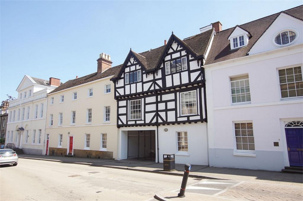 2 Bedrooms Flat for sale in Neville Court, Jury Street, Warwick