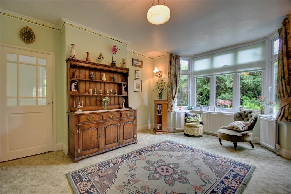 4 Bedrooms Detached House for sale in King George Avenue, PETERSFIELD, Hampshire