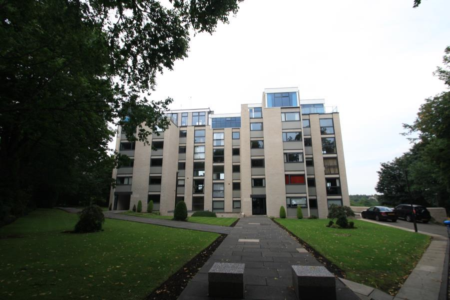 3 Bedrooms Apartment Flat for rent in LAKE VIEW COURT, LEEDS, WEST YORKSHIRE, LS8 2TX