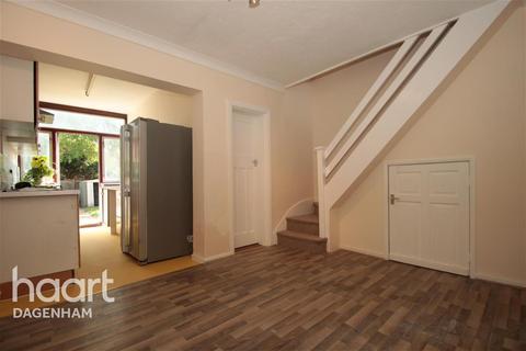 3 bedroom terraced house to rent - Third Avenue, Dagenham, RM10
