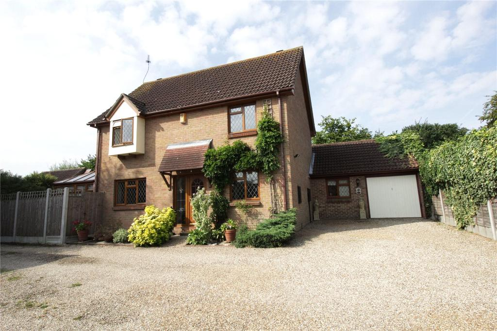 4 Bedrooms Detached House for sale in The Badgers, Langdon Hills, Essex, SS16