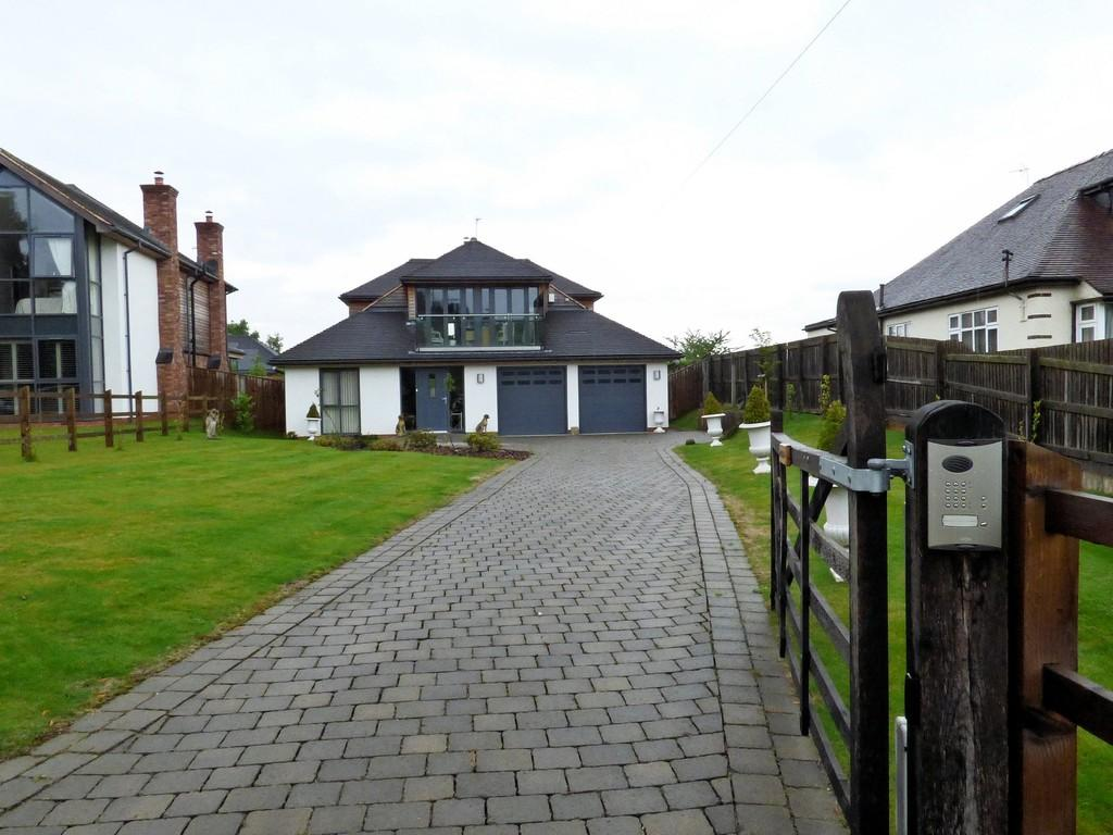 3 Bedrooms Detached House for sale in Brook Lane, Brocton
