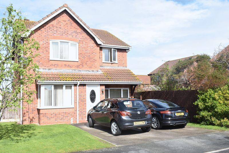 4 Bedrooms Detached House for sale in Alder Court, Rhyl