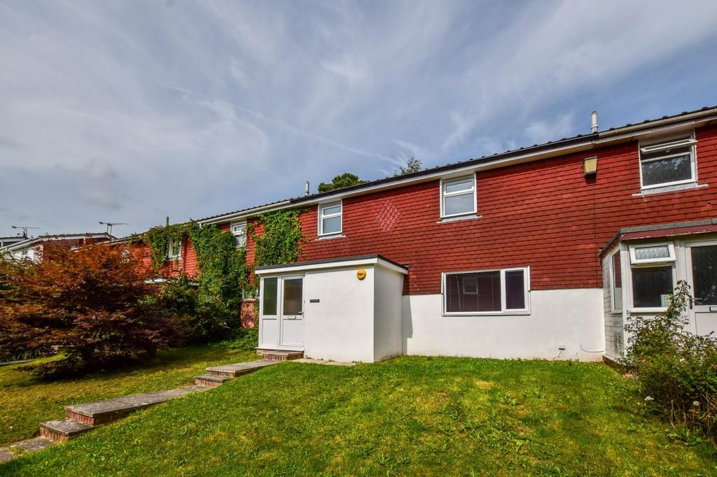 3 Bedrooms Terraced House for sale in Carman Walk, Broadfield