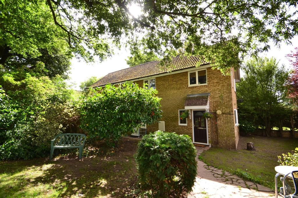 5 Bedrooms Detached House for sale in Amderley Drive, Eaton