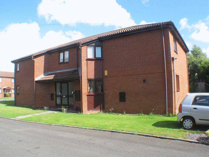 2 Bedrooms Apartment Flat for sale in The Conifers, Poulton-Le-Fylde