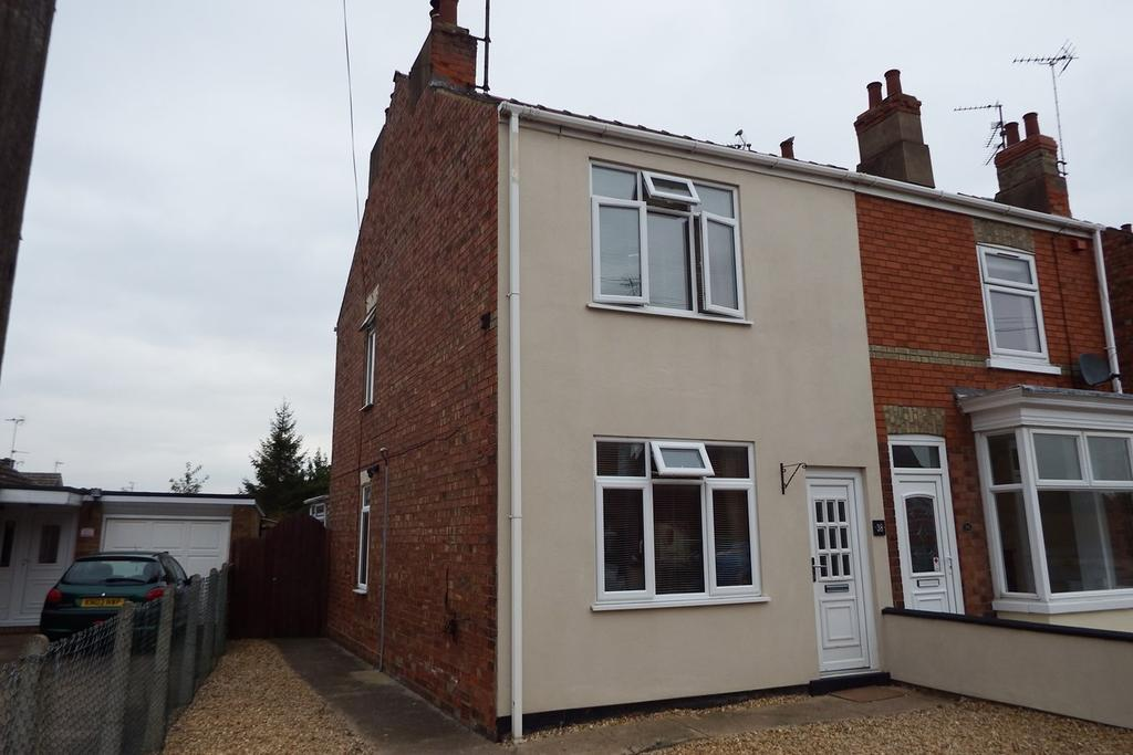 3 Bedrooms Semi Detached House for sale in St Johns Road, Spalding, PE11