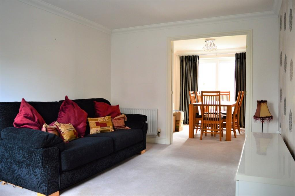4 Bedrooms Semi Detached House for sale in Dragon Way, Cwm Calon