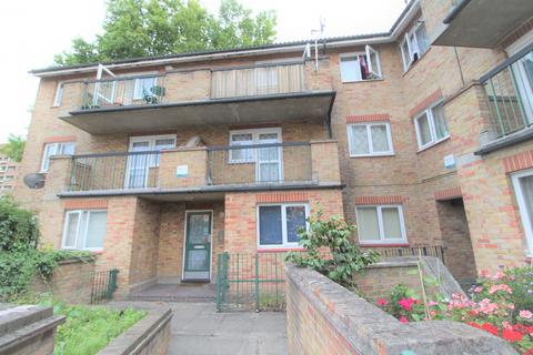 2 bedroom flat to rent - Wesley Close, London, SE17