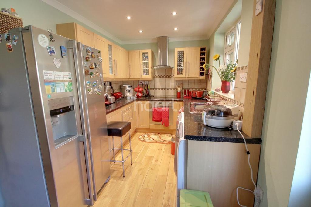 4 Bedrooms End Of Terrace House for sale in Micklefield Way, Borehamwood