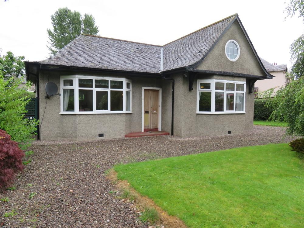 3 Bedrooms Detached Bungalow for sale in Tomcroy Terrace, Pitlochry PH16