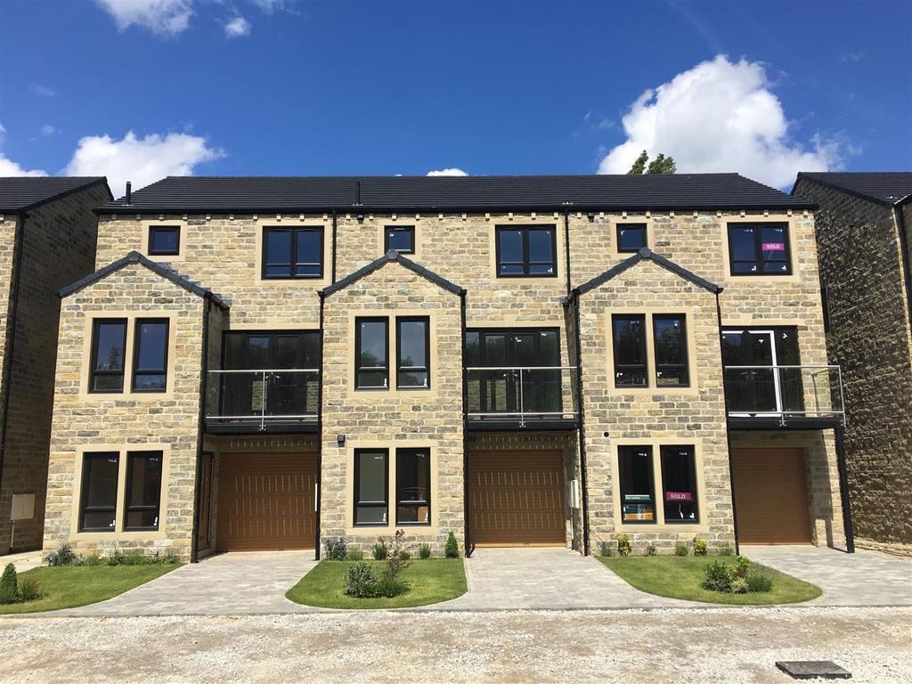 4 Bedrooms Town House for sale in Off School Lane, Kirkheaton, HD5 0JS