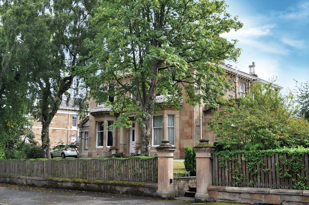 3 Bedrooms Duplex Flat for sale in Dunmorlie, 363A Albert Drive, Pollokshields, G41 5PH