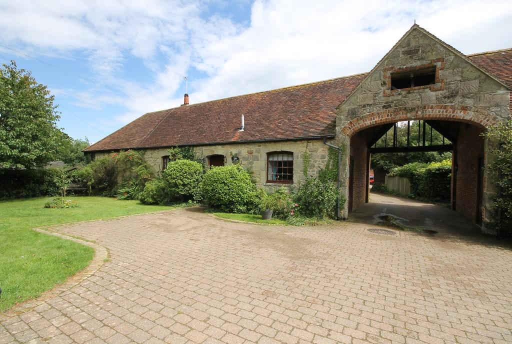 3 Bedrooms Barn Conversion Character Property for sale in Apse Manor, Isle of Wight