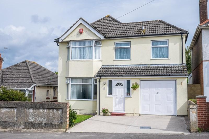 4 Bedrooms Detached House for sale in Brixey Road, Parkstone, Poole